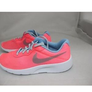Nike Tanjun SE GS Size 7Y/8.5W